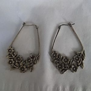 Flowery drop hoop earrings prwter